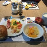 self-served breakfast.