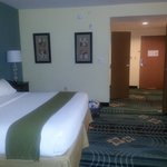 chambre spacieuse lit confortable