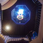 La très belle cage d'escalier
