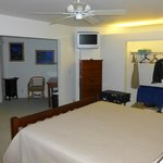 Outrigger Kanaloa: first condo bedroom