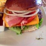 Cheeseburger veramente ottimo e non pesante
