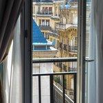 Utsikt över takåsarna i Paris