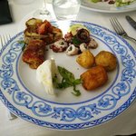 Various antipasti - thumbs up on the sweet pepper roll, 10 o'clock