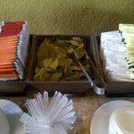 Chá e folhas de coca de cortesia na recepção