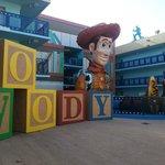 Zona Toy Store