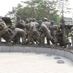 Statues representing those who served