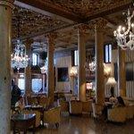 Uno dei meravigliosi saloni per chiacchierare e bere qualcosa....