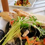 Thai mussels and crab
