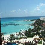 vista de la la playa del hotel
