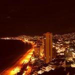 Bahía de Acapulco por la noche