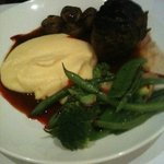 Beef filet with mash, greens and red sauce