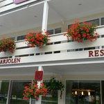 Entrada deste lindo e aconchegante hotel que fica num vale a beira de um fjord.