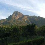 早朝のモッチョム岳