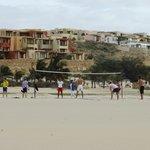 Strandebereich mit Beachvolleyball