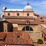 vue arrire de la suite 502 sur l'église San Zaccaria