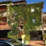 Lovely hotel in a fabulous setting!
