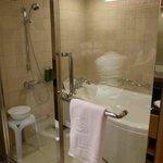 バスルーム・シャワールームも併設