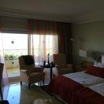 Zimmer mit seitlichen Meerblick