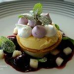 FEIJOA CHEESECAKE: feijoa sorbet, shortbread, meringues, blackberry compote, apple