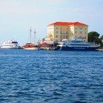 Vanaf de Adriatische zee op de boot.