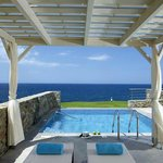 Seafront suite with private pool