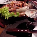 Schlachtplatte e cerveja Delirium Tremens... jantar delicioso!