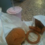 Kopps Cheeseburger, onion rings, and raspberry shake