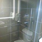 grosse begehbare Dusche