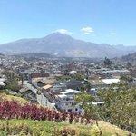 Otavalo desde una loma