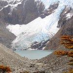 glaciar y laguna