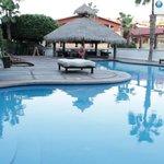 Pool, hot tub, and swim up bar