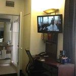 Corner room 916