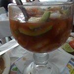 Shrimp and Conch Cocktail - Cocktel de camarón y caracol grande