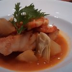 Congrio, prawns and artichokes in broth
