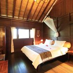 Double Bed at One Bedroom Cottage