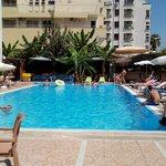 Zwembad en de bar