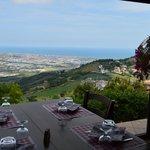 La vista panoramica dai tavoli