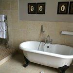 Claw-foot bath-tub