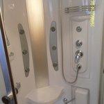 Massage shower