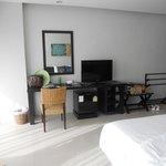 clean bed room 1