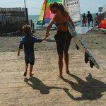 Corso di surf da onda per i più piccoli