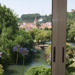 Vista do jardim a partir do corredor dos apartamentos