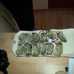 Huîtres de la poissonnerie située à 400 m (excellentes)