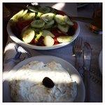 Insalata greca e salsa tzatziki