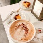 Foto de Golden Lux Cafe