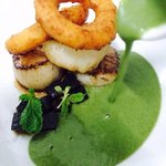 Scallops, black cheese and green bean soup.