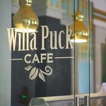 Willa Puck Cafe