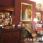 Hotel Lounge & Bar
