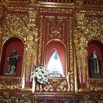 Altar con la Virgen de la Candelaria