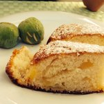 Fresh Figs and Home Baked Warm Apple Cake.  Even my grandma would have loved that!   Delight